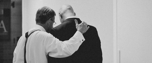 pastor-praying
