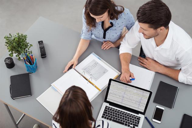 9 fa ons d 39 agir comme un v ritable chr tien au travail chr tiens lifestyle - Travailler dans un bureau ...