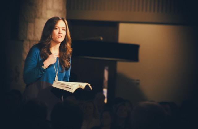 suis à la recherche de la femme chrétienne évangélique pour relation à long terme