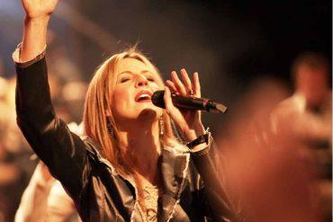 A l'occasion de la sortie de son nouvel album, Darlene Zschech revient sur sa guérison miraculeuse du cancer !