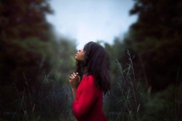 10 versets sur l'importance de la prière !