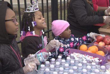 A 6 ans, elle décide de fêter son anniversaire avec les plus démunis !